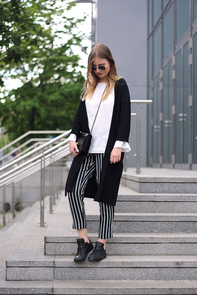 outfit 7girls7styles schwarz weiß streifen hose