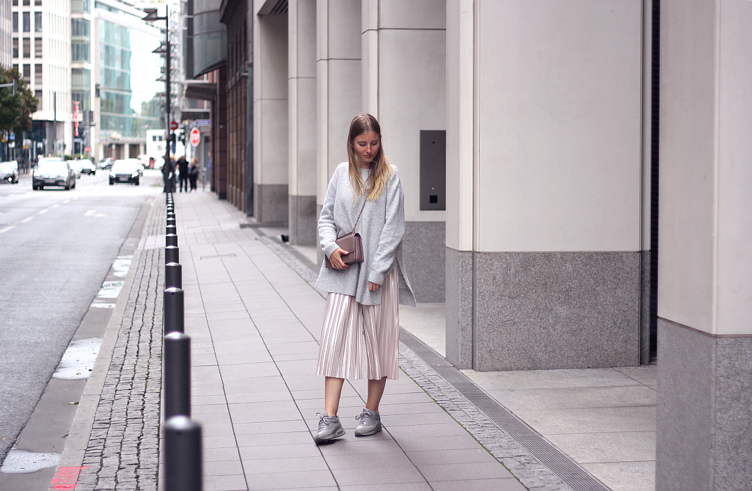 outfit culotte mit pullover und nike air