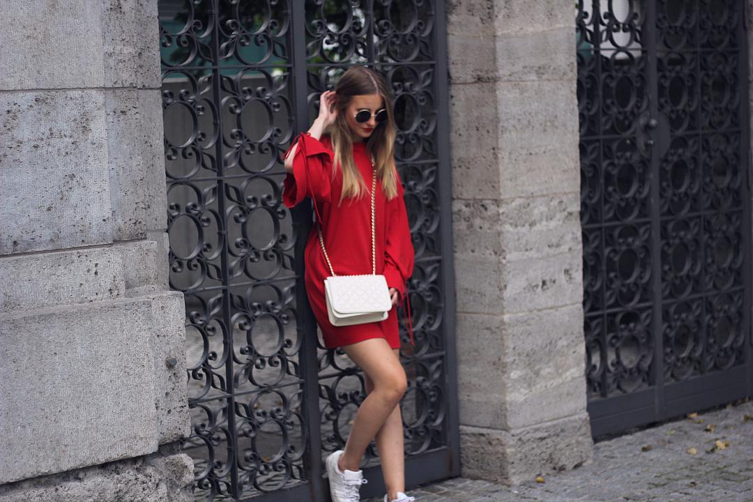 outfit rotes zara kleid sweatshirt stoff in frankfurt