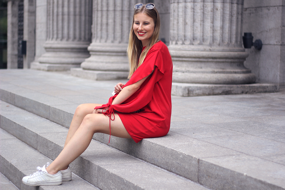 outfit rotes zara sweat kleid mit cut outs
