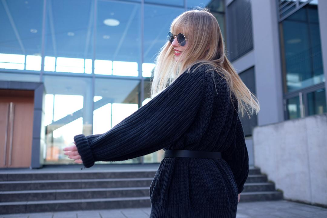 blondes mädchen mit langen haaren sonnenbrille mmentaufnahme